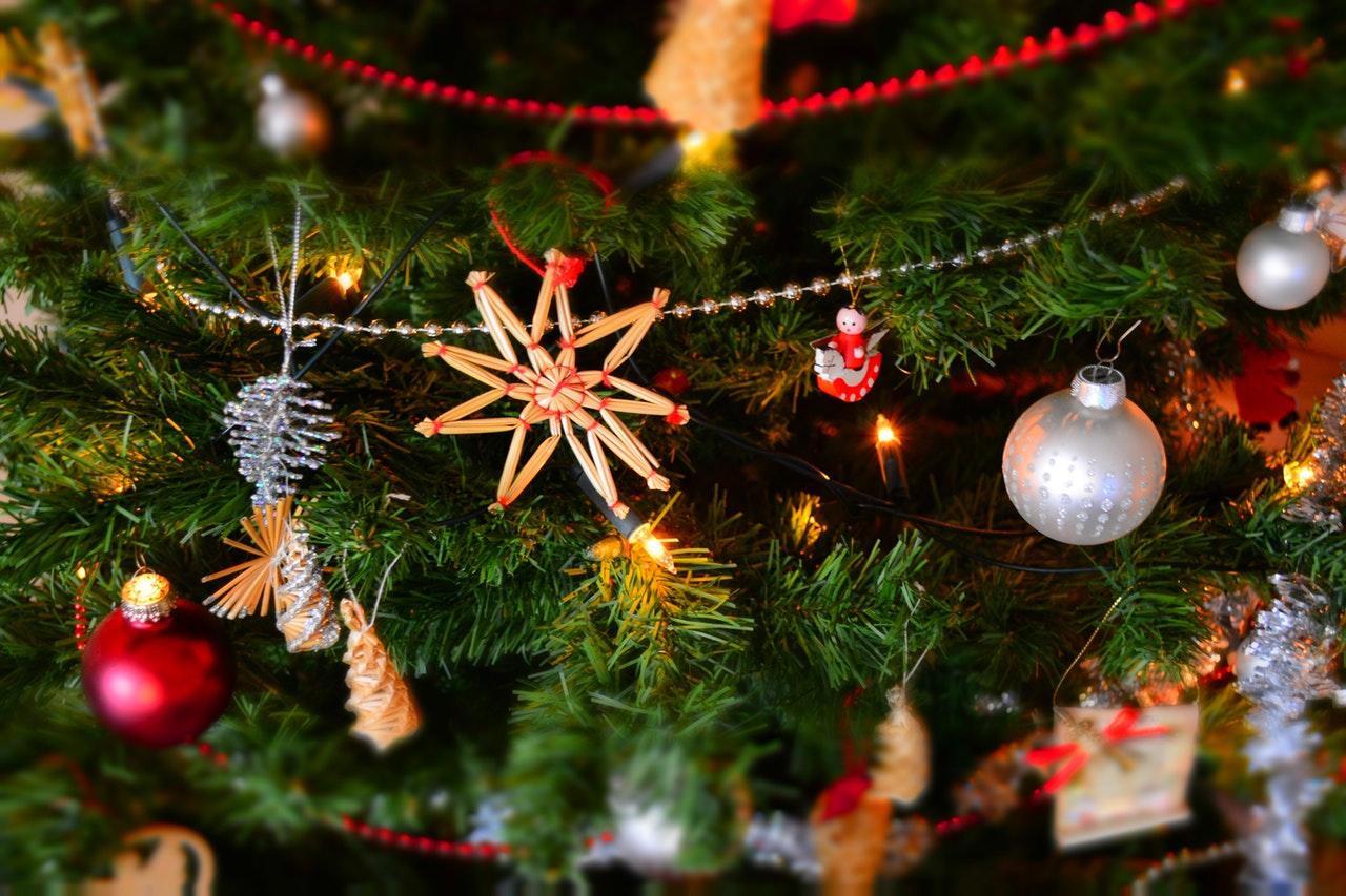 Decorazioni Natalizie In Inglese.Natale A Londra Le Tradizioni Natalizie Inglesi The British Institute Of Rome